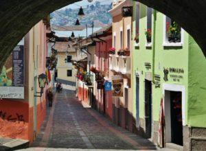 Calle de la Ronda in the historic center of Quito