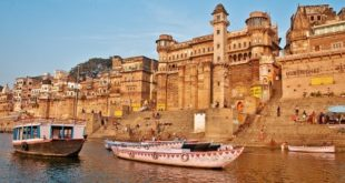 India – A day in Varanasi around the essential Ganges River