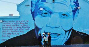 Graffiti tribute to Mandela in Cape Town
