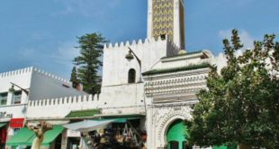 Mosque in the center of Tetouan next to the medina
