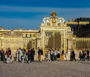 Queues to access the Palace of Versailles near Paris